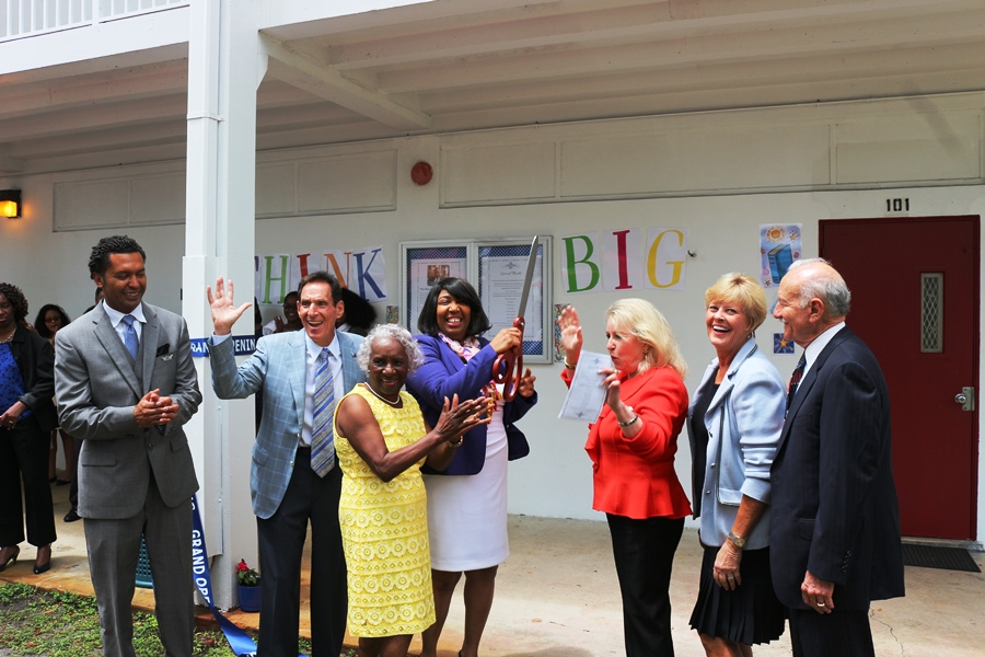 RIBBON+CUTTING%3A+The+first+Dr.+Ben+Carson+Reading+Room+on+a+Florida+high+school+campus+was+officially+opened+by+special+guest+Mrs.+Candy+Carson+%28center%29.+The+%22Hurricane+Cafe%22+was+donated+jointly+by+Sid+Dinerstein+%28from+left+between+Assistant+Principal+Francisco+Lopez+and+CEO+Dr.+Emma+Banks%29%2C+along+with+Mrs.+Esther+Dinerstein%2C+Gwen+and+Gerry+Richman%2C+and+supplemental+contributors+Rita+and+Joe+Scheller+%28not+shown%29.+Prior+to+the+grand+opening%2C+students+enjoyed+a+special+assembly+program+that+included+guest+remarks++and+performances+by+the+Drama+Club+and+Drumline.