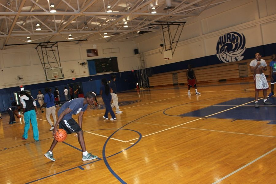 HOOPS: Jaylen Joyce creating a Technic to  Take Ankles  in other words , how to get around his up coming  defender .