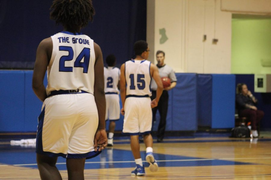 Both varsity and JV male players from inlets grove community high school came to a close victory to oxbridge academy, only losing but a couple of points, on January 19th.