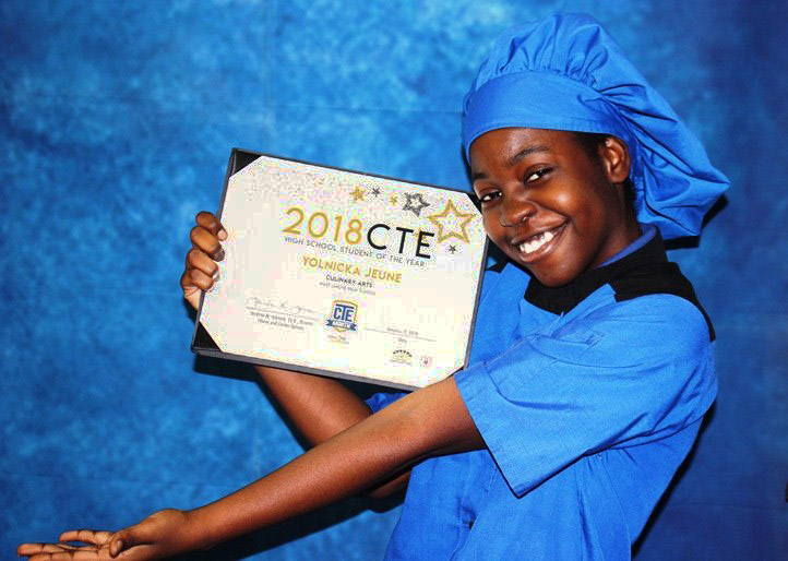 QUEEN+OF+THE+KITCHEN%3A+Culinary+Academy+senior+Yolnicka+Jeune+was+crowned+2018+Career+and+Technology+Education+%28CTE%29+student+of+the+year.+Yolnicka+achieved+this+award+due+to+her+role+model+qualities+such+as+having+a+positive+attitude%2C+following+safety+precautions+and+working+well+to+help+and+lead+other+students.