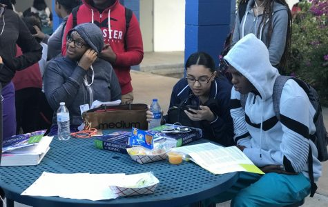 NURSING NEVER STOP:  Medical students studying for their final exams while eating the most important meal of the day.