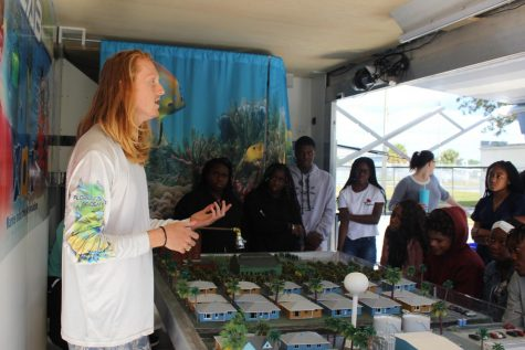 OCEAN EXIRIENCES : Students got a hands- on experience when the Florida Marine Academy visited in their Mobile Marine Lab. Students from different classes were taught about Florida